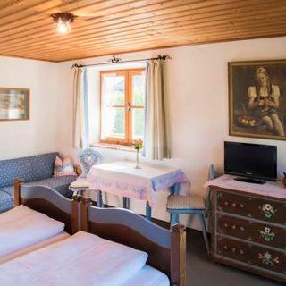 Gästehaus Becher, Kreuth-Point - Doppelzimmer 1+3 - Kreuth