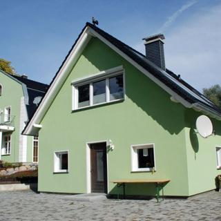 Gutshaus-Appartements mit Kamin, Sauna und Außenpool ***** - Ferienhaus (*** Sterne) - Garz