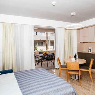 Luxury  Resort - Appartements 4****Superior /4 Personen - Nin